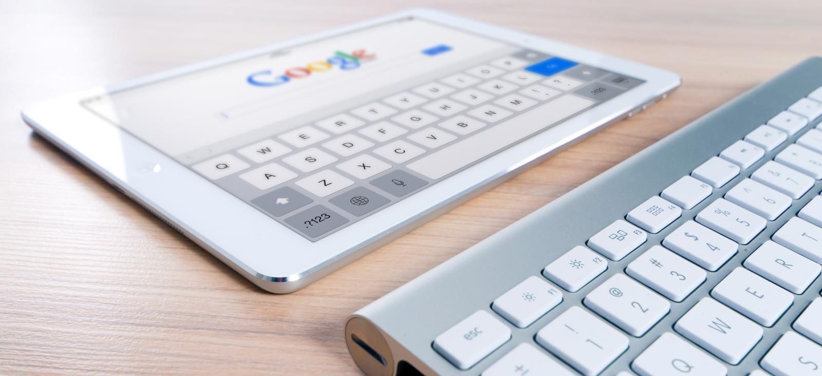 iPad und Apple Tastatur   Foto von Pexels